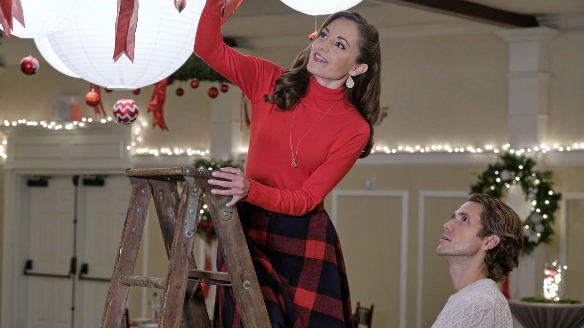 Laura Osnes - Aaron Tveit - One Royal Holiday - 10/20 - Hallmark Channel